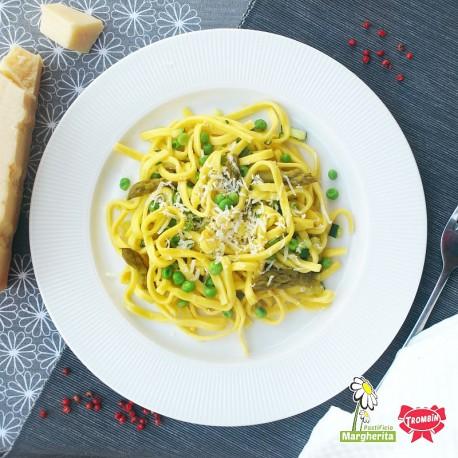 Linguine con asparagi, piselli e zucchine